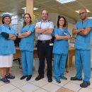 """בתמונה: צוות היחידה לטיפול יום המטולוגי ברמב""""ם."""