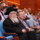 """סגן שר הבריאות, הרב ח""""כ יעקב ליצמן ופרופ' רפי ביאר, מנהל רמב""""ם."""