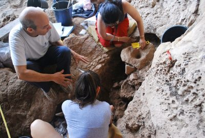 צוות החפירה, מערת רקפת
