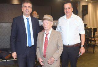 שמעון סבג, שלום שטמברג ושר הכלכלה - אלי כהן